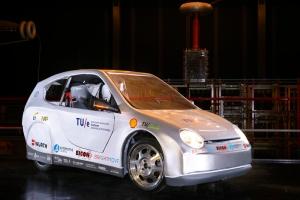 TU/ecomotive auto door studenten TU/e