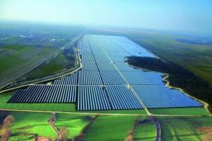 solar-power-plant-bulgaria-570x379