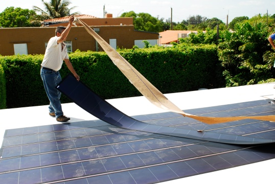 Thin_Film_Flexible_Solar_PV_Installation_2