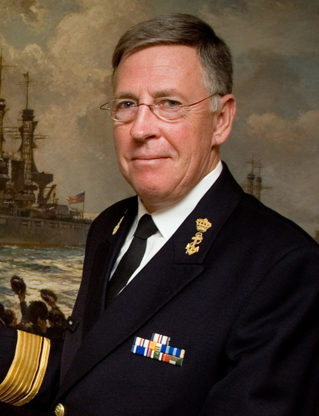 Chief of Naval Operations (CNO) Adm  Mike Mullen presents